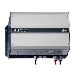 AJ2100-12-S, 2000W/230V/12V Inverter med 30A laderegulator
