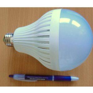 15W/230V LEDPære E27 fatning varm/hvid