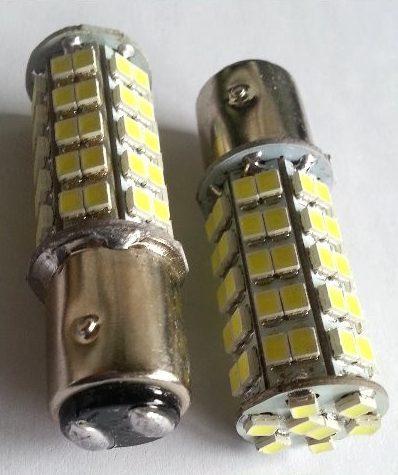 2 x Auto LED pære BA15d